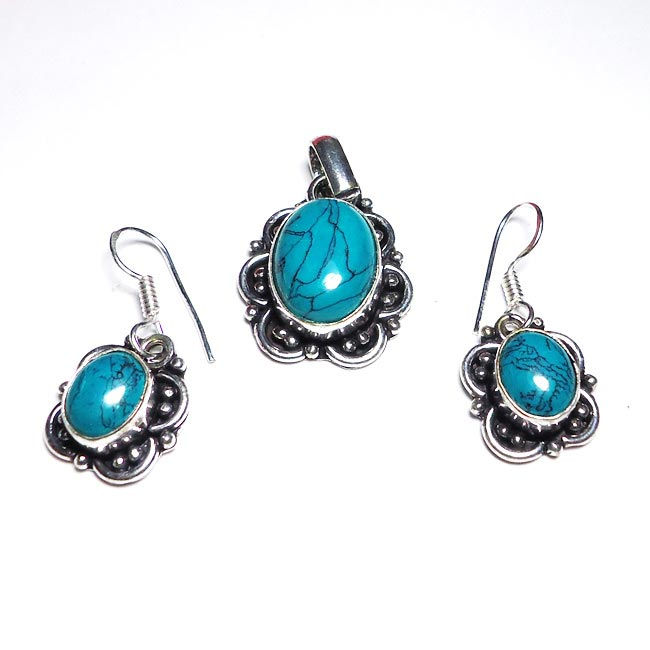 Turquoise Gemstone Pendant Earrings Set
