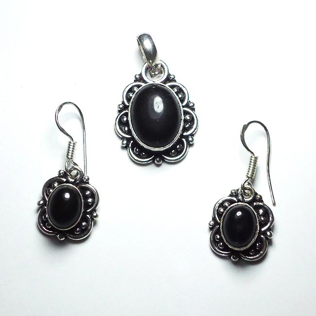 Black Onyx Gemstone Pendant Earrings Set